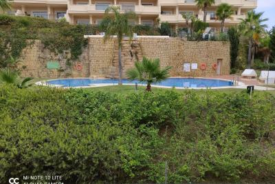 Large, bright 2 bedroom, 2 bathroom apartment with large...